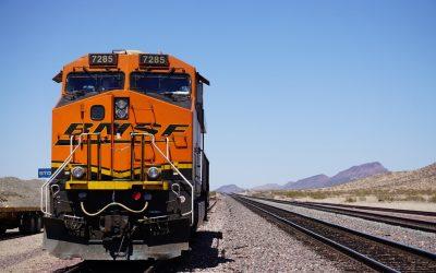 ¿Qué maquinaria se emplea para la construcción de vías de ferrocarril?
